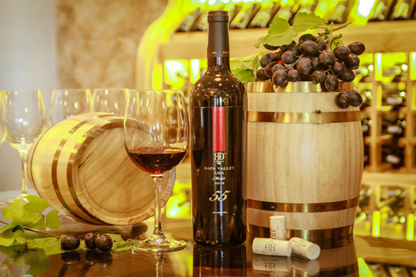 Rượu vang có nhiều công dụng tốt cho phụ nữ