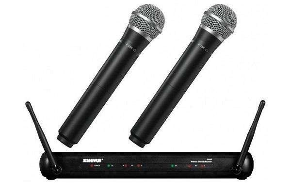 Micro Shure không dây giúp bạn dễ dàng ca hát di chuyển mà không vướng víu