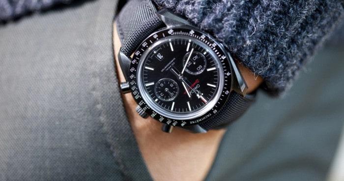 Đồng hồ đeo tay tạo nên phong thái của người đàn ông