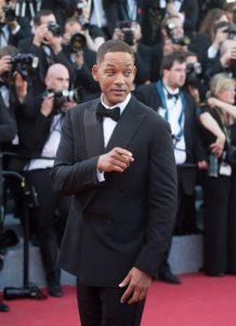Bộ suit đen lịch lãm mà anh chọn trên thảm đỏ