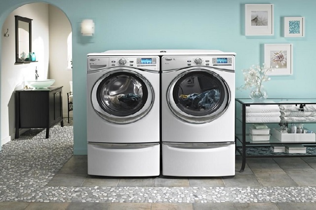 Máy giặt khô cũng không có nhiều khác biệt so với máy giặc thường