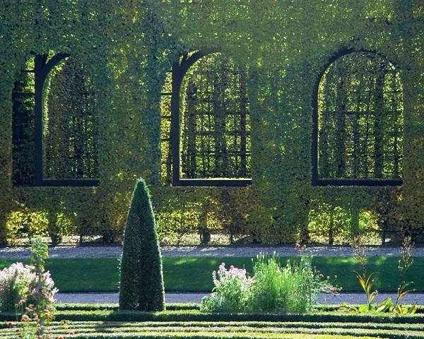 phong cách thiết kế vườn Châu Âu - Trường phải cổ điển