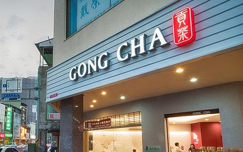 Toàn cảnh mặt tiền và biển hiệu cửa hàng trà sữa Goong Cha