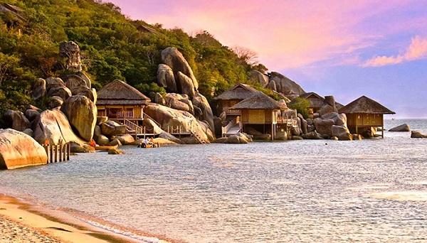 Di chuyển đến Vịnh Vân Phong