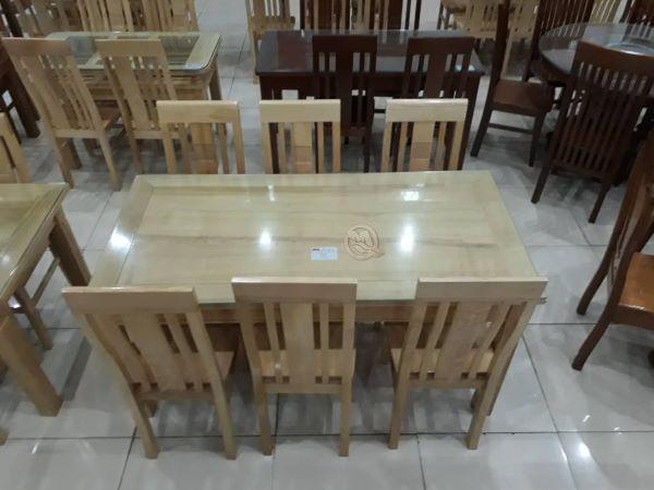 Bàn ăn khung tranh 6 ghế với thiết kế đơn giản