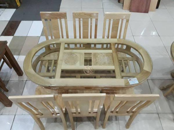 Với thiết kế 2 tầng kèm theo là chất liệu bằng gỗ sồi mang lại sự sang trọng cho sản phẩm
