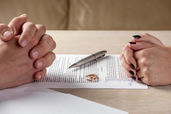Làm đơn ly hôn theo thủ tục