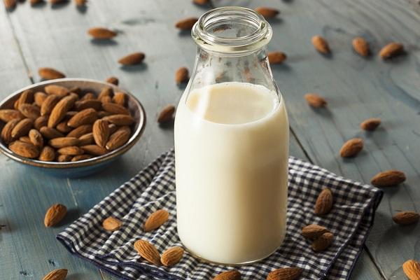 Bột protein thực vật organic cần bổ sung nhưng cũng không quên cung cấp sữa để tăng canxi
